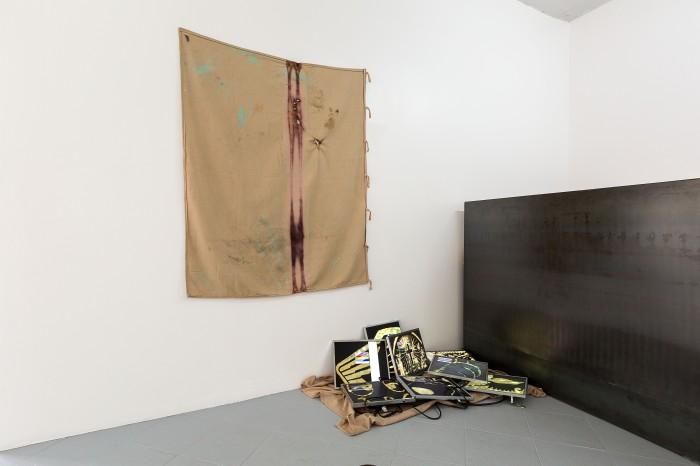 galerie-jeromepauchant-quentin-euverte-mobilier-himalaya-insitu15