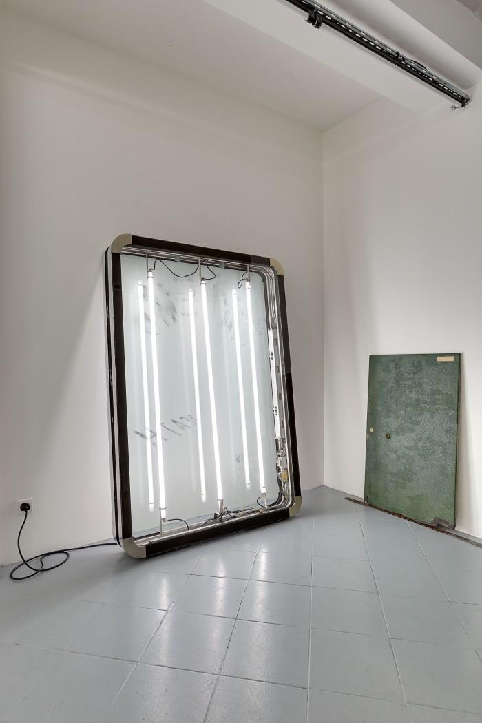 galerie-jeromepauchant-quentin-euverte-mobilier-himalaya-insitu5