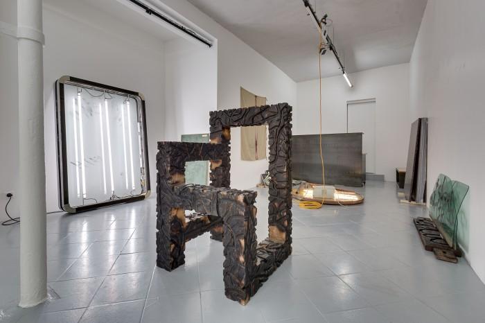 galerie-jeromepauchant-quentin-euverte-mobilier-himalaya-insitu7
